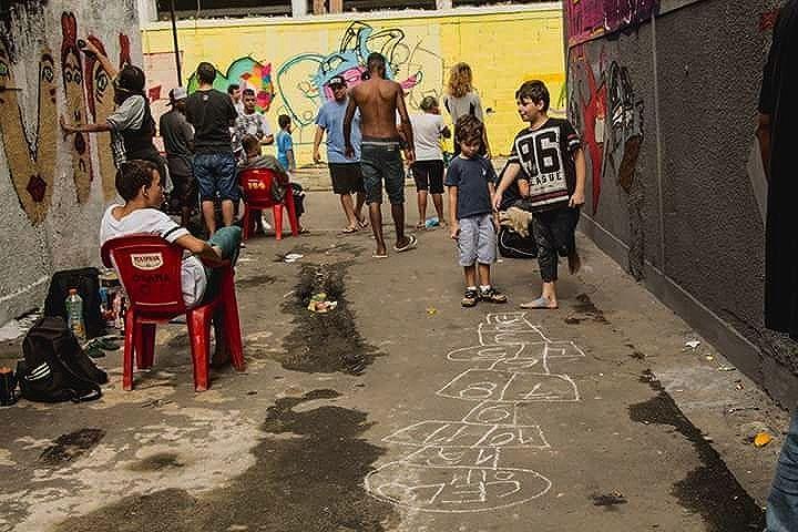 Obrigado à todos Artistas que deixaram sua arte na Comunidade!!! 5 Convida : Mutirão do Trabalhador!  5ORIGINAL DA RUA. ORIGINAL DO RIO. A ARTE URBANA VIVE. O RIO GOSTA DE VER. ANTIGOS & ATUAIS. ALÉM DOS MUROS. NADA MUDARÁ NOSSA CONDUTA.  #5estrelas11anos #poolparty #terrordorio #bondedotavala #pixacaocarioca #pixadores #vandals #underground #uniaodetribos #alemdosmuros #antigoseatuais #originaldarua #streetartrio #urbanart #vyvah #bondedovuca #vandalismo #xrf #pixo #xarpi #rap #graffiti #fivestars #tudo5 #midia #tag #culturaderua #rj #021 #brasil