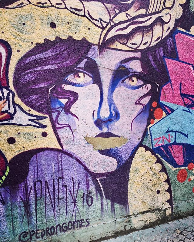 #rio #riodejaneiro #rj #riolovers #igersrio #cariocagram #carioca #cidademaravilhosa #brazilingram #brasildosmeusolhos_ #streetart #streetartrio #streetartist #streetart_daily #streetarteverywhere #streetphotography #photography #photooftheday #artphoto #graffiti #graffitiart #graffitiwall #graffitiigers #arteurbano #urbanart #urbanwalls #urbanexploration #urbanphotography #faceoftheday #purple