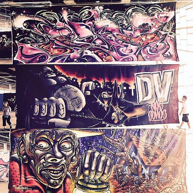 3 giants canvas screens ( meio #chambscong ) ( embaixo #brunosmoky ) Until 17/05/15 GFA III Bienal Internacional de Graffiti Fine Art  #GFA #3bienalgfa #  #graffitifineart #sampa #saopaulograffiti #sp #splovers #instagraffiti #instasaopaulo #arteurbana #urbanart #graffiti #graffitisaopaulo #coolsampa #streetart #streetartsp #streetartsaopaulo #parqueibirapuera