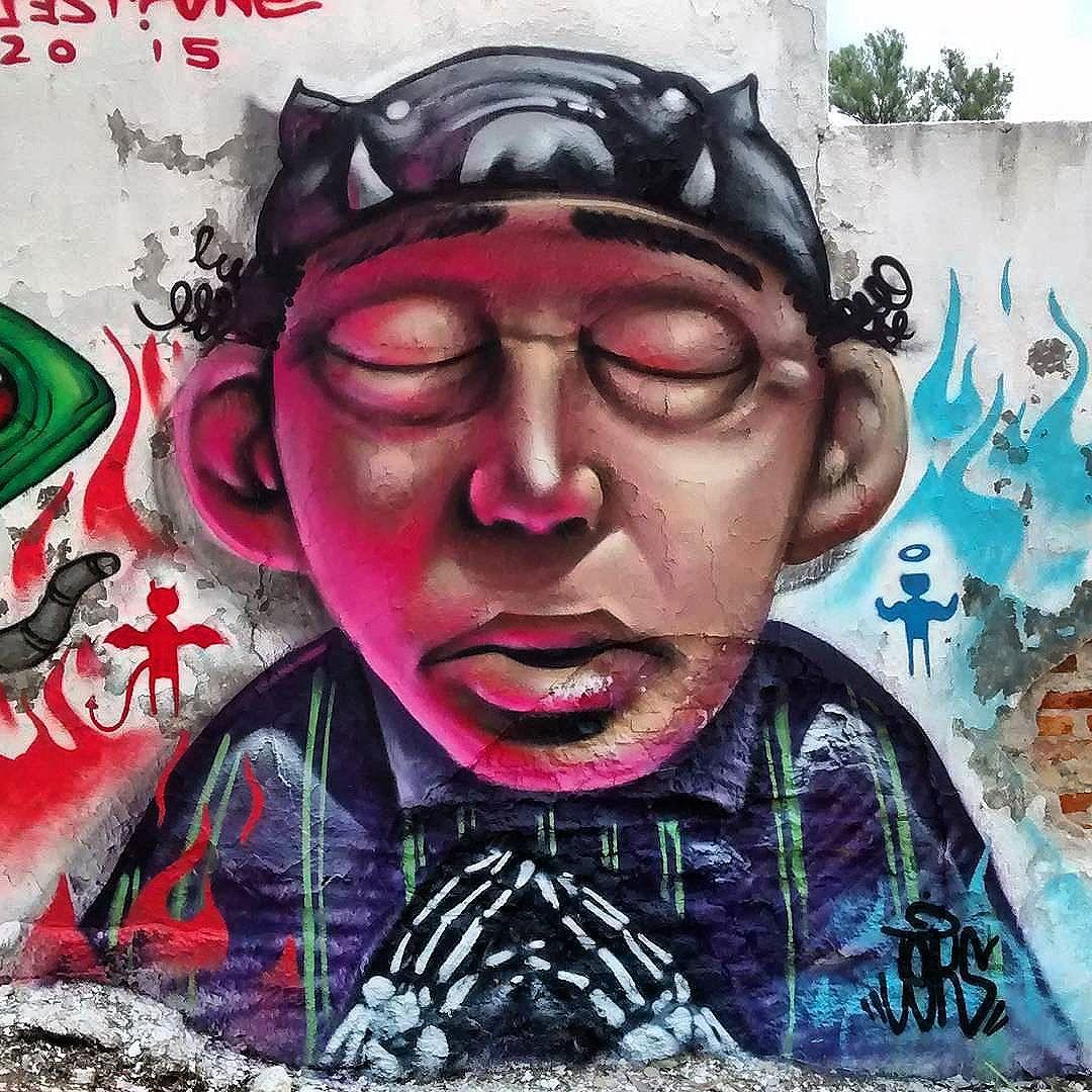 Compartilhado por: @tschelovek_graffiti em Dec 19, 2015 @ 07:45