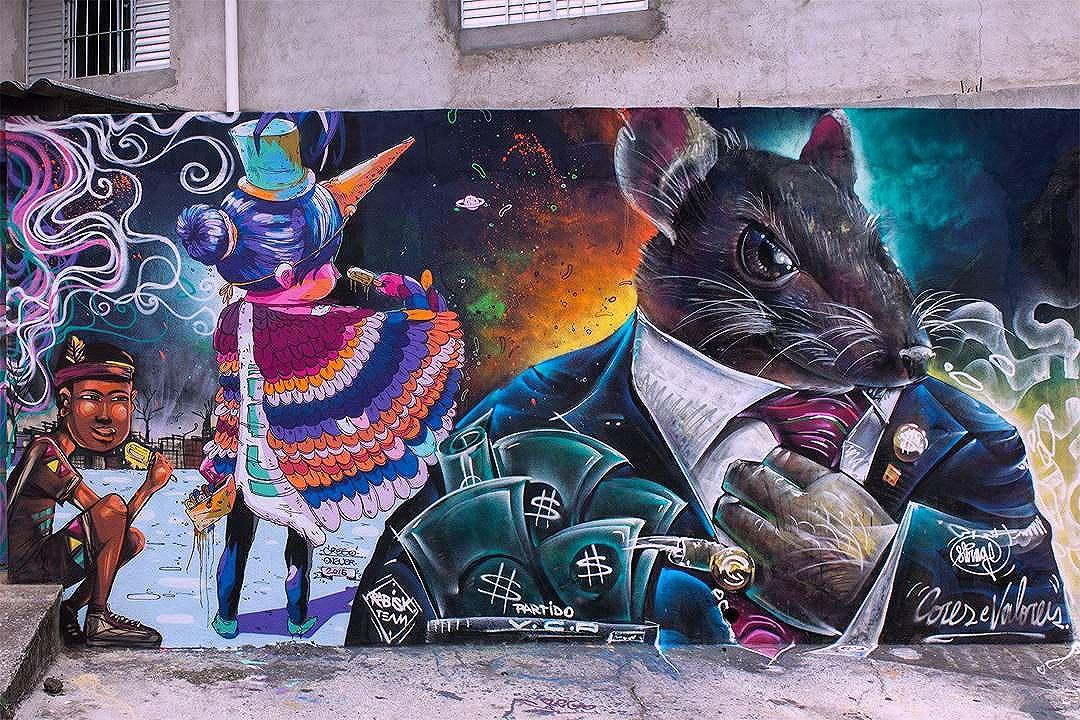 Compartilhado por: @tschelovek_graffiti em Dec 25, 2015 @ 07:17