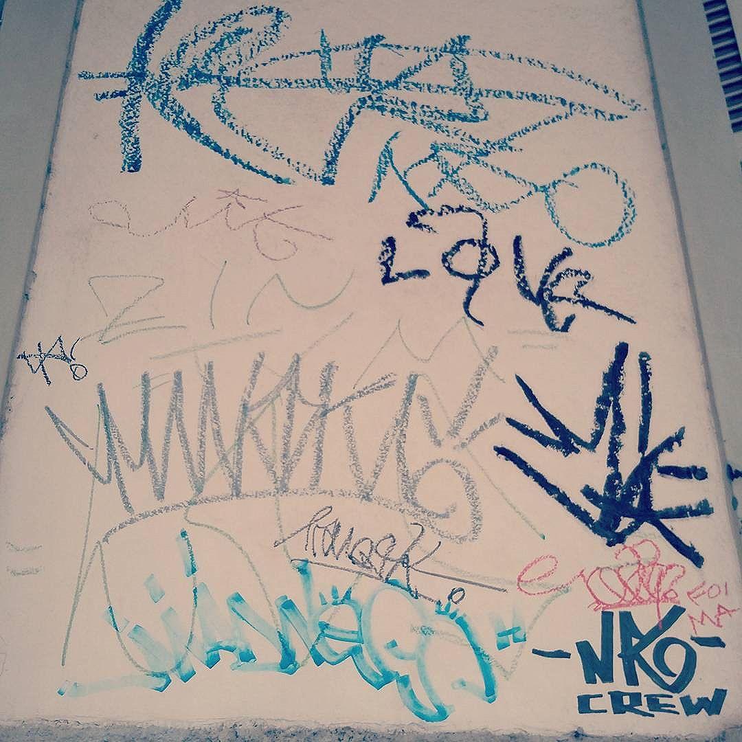 #tag #pixo #pixacao #graffiti #streetart #streetstyle #rua #graffitiart #graffitis #graffitiwall #graffiti #graphicdesign #grafitesp #grafite #graffitiartist #graffitiigers #graffiti_magazine #streetartist #streetart #urbanart #urbanartist #graffitiporn #arteurbana #arterua #streetartsp #sampagraffiti