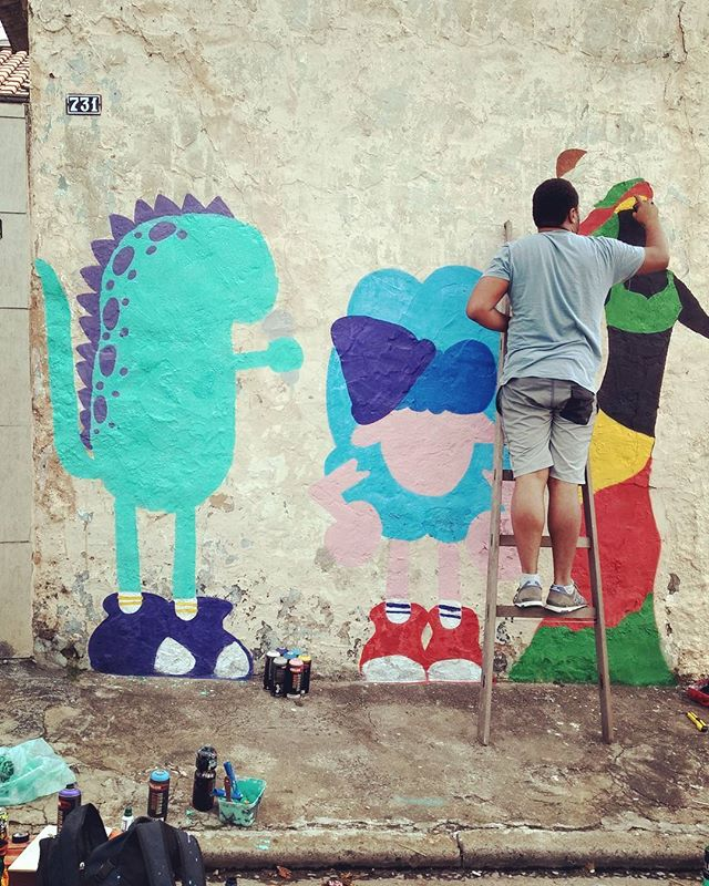Processo na Vl Maria com meu mano @ticosdias ️ . . . #ovelhinha #littlesheep #graffiti #graffitibrazil #graffitisp #graffitearte #welovegraffiti #graffitilovers #streetart #streetartsp #artederua #artederuasp #streetarteverywhere #graffitiartist #urbanart #arteurbana #personagem #blue #color #sp #011 #zn #vilamaria