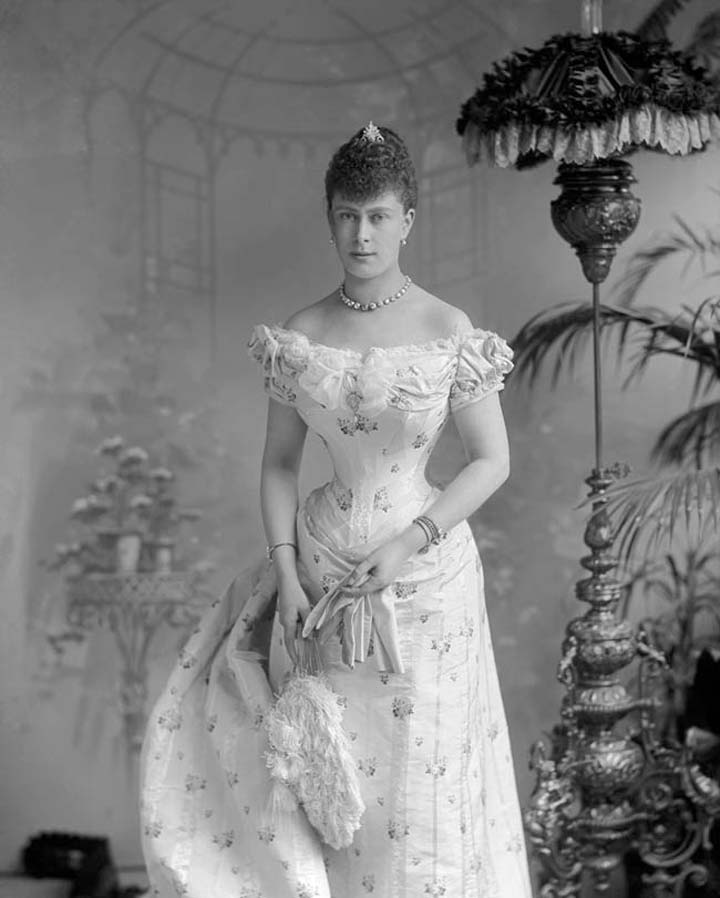 Iconic Wedding Dresses: Mary of Teck