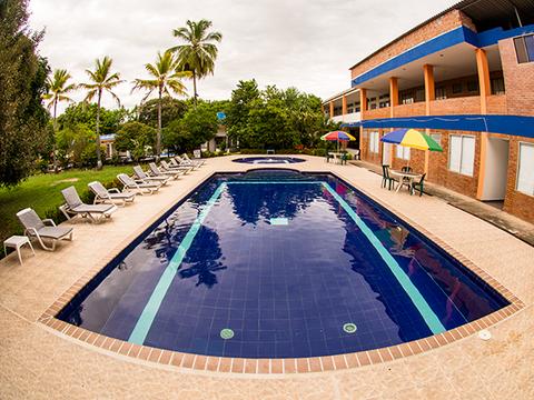 Hotel casa de campo pe alisa en ricaurte girardot - Hotel a sillian con piscina ...