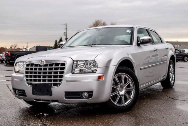 2010 Chrysler 300 used car under $10K