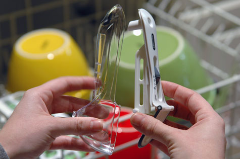 Nuscup adjustable measuring cups are dishwasher safe.