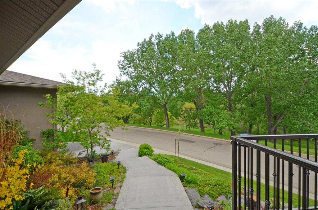 86 ROSELAWN Crescent NW - MLS® # A1017374
