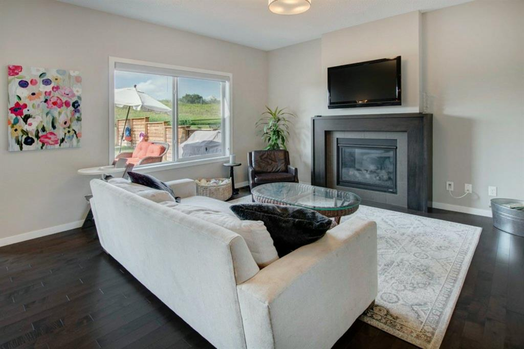 Fireside Semi Detached for sale:  3 bedroom 1,802 sq.ft. (Listed 2020-07-30)