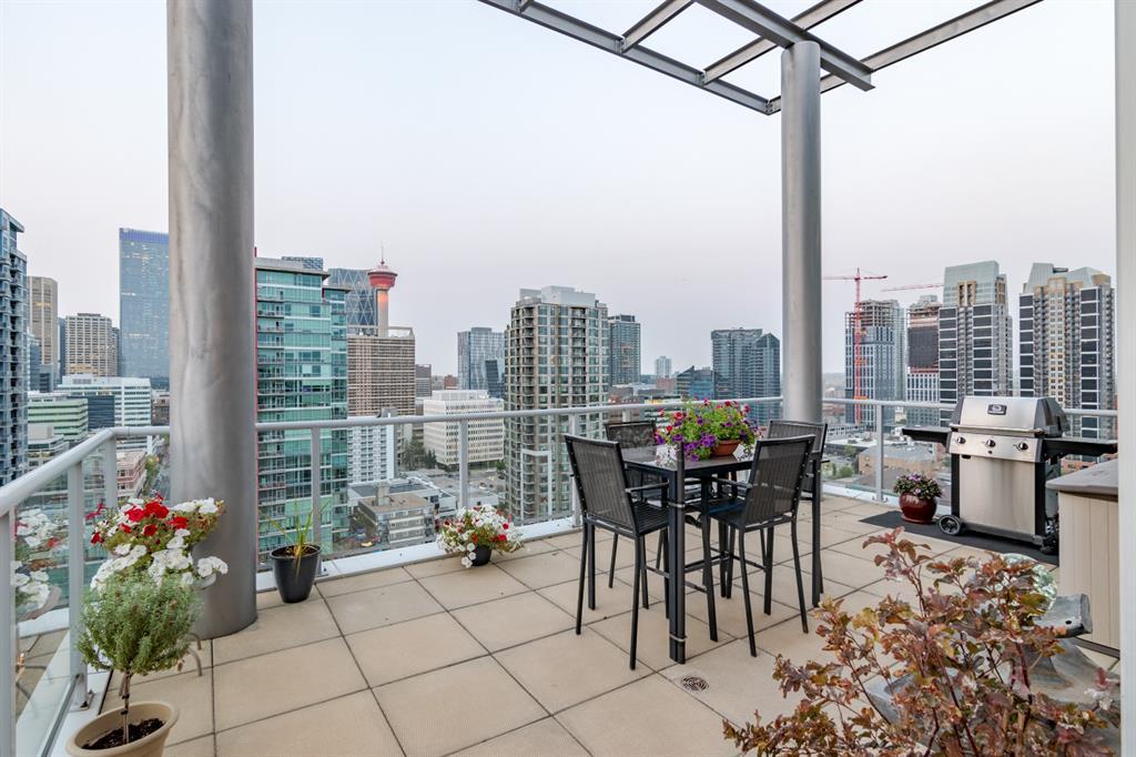 Beltline Apartment for sale:  3 bedroom 2,090 sq.ft. (Listed 2021-03-26)