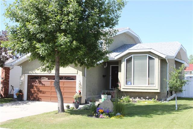 116 WOODFORD CL SW - MLS® # C4271415