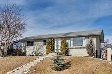 6120 Blackthorn CR NE - MLS® # C4290574