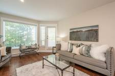 King George Corridor Apartment/Condo for sale:  2 bedroom 933 sq.ft. (Listed 2020-05-28)