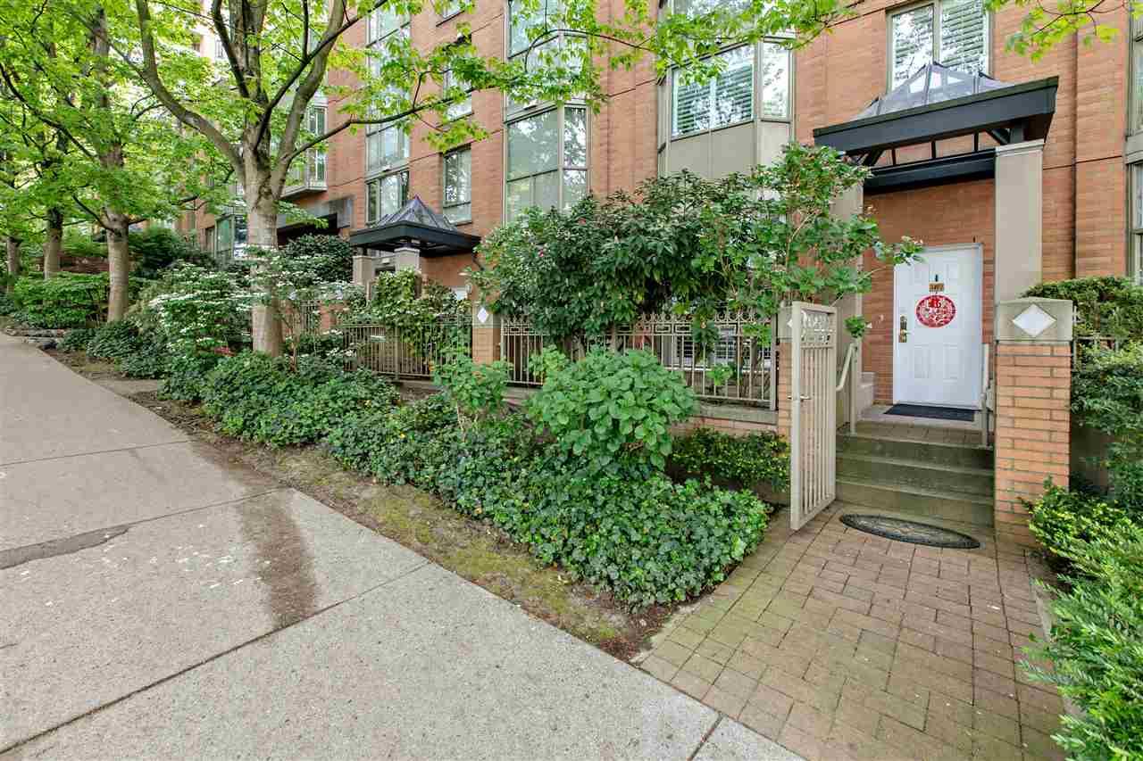 1492 HORNBY STREET - MLS® # R2370412