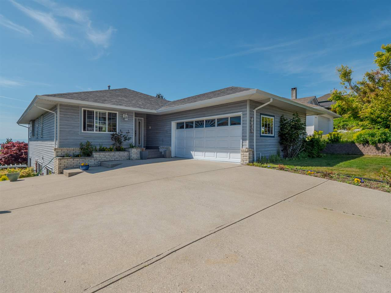 4835 BLUEGROUSE DRIVE - MLS® # R2371182