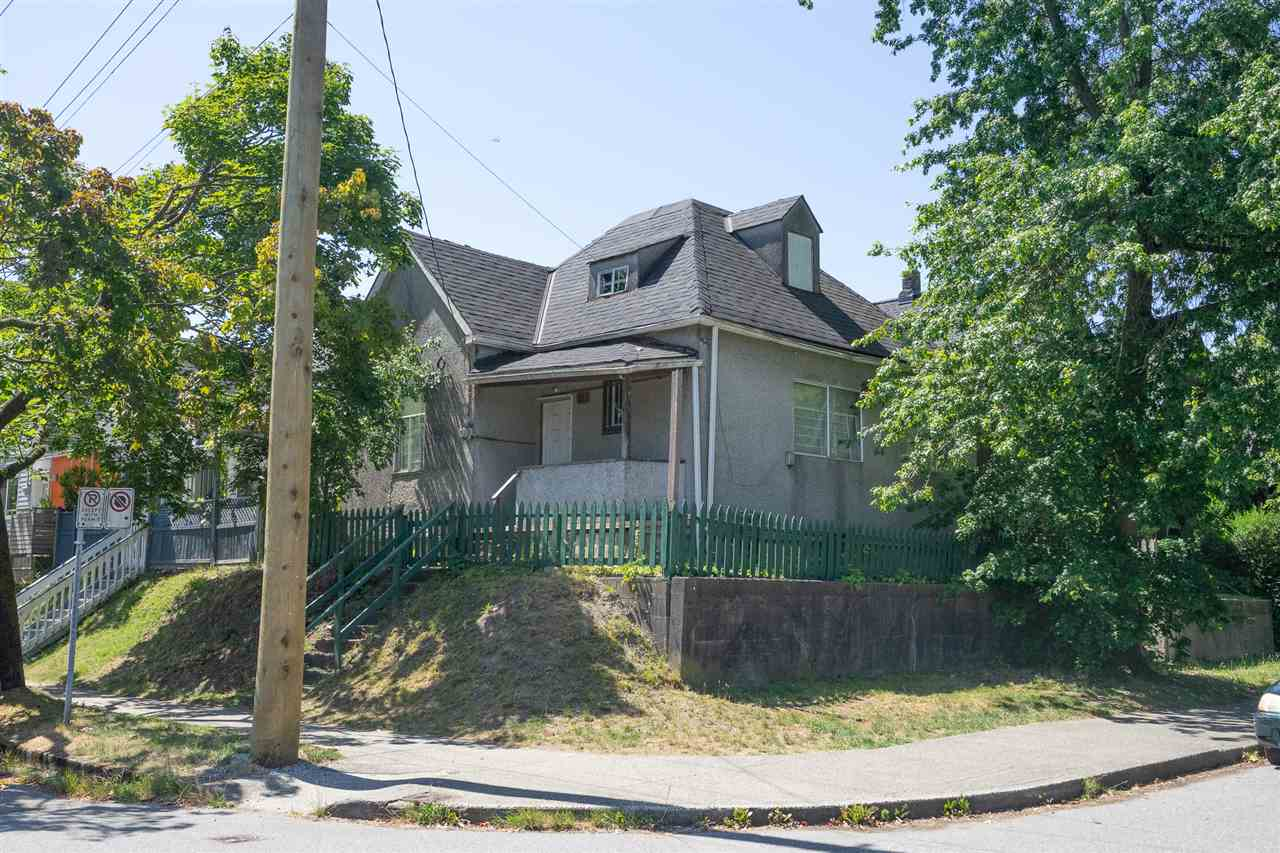 703 HEATLEY AVENUE - MLS® # R2392296