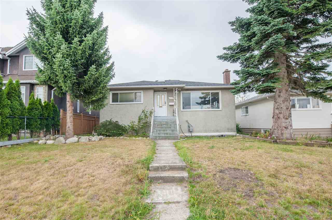 3168 QUEENS AVENUE - MLS® # R2392398