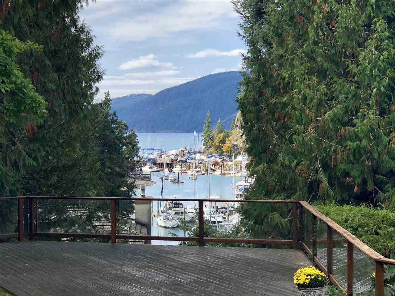 5773 SEAVIEW ROAD - MLS® # R2396058