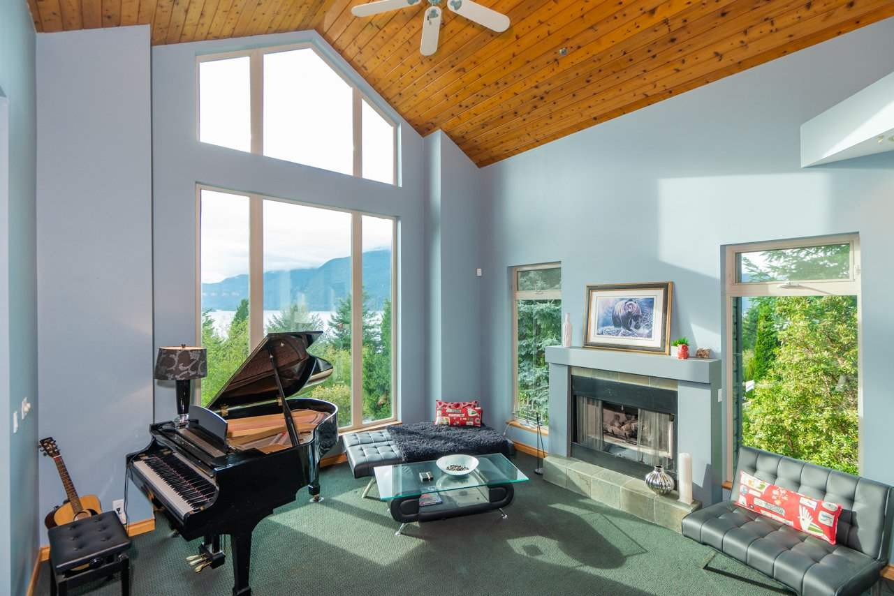 325 FURRY CREEK DRIVE - MLS® # R2409341