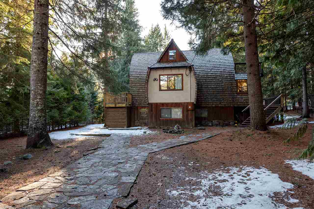 8248 WOODLAND PLACE - MLS® # R2425173