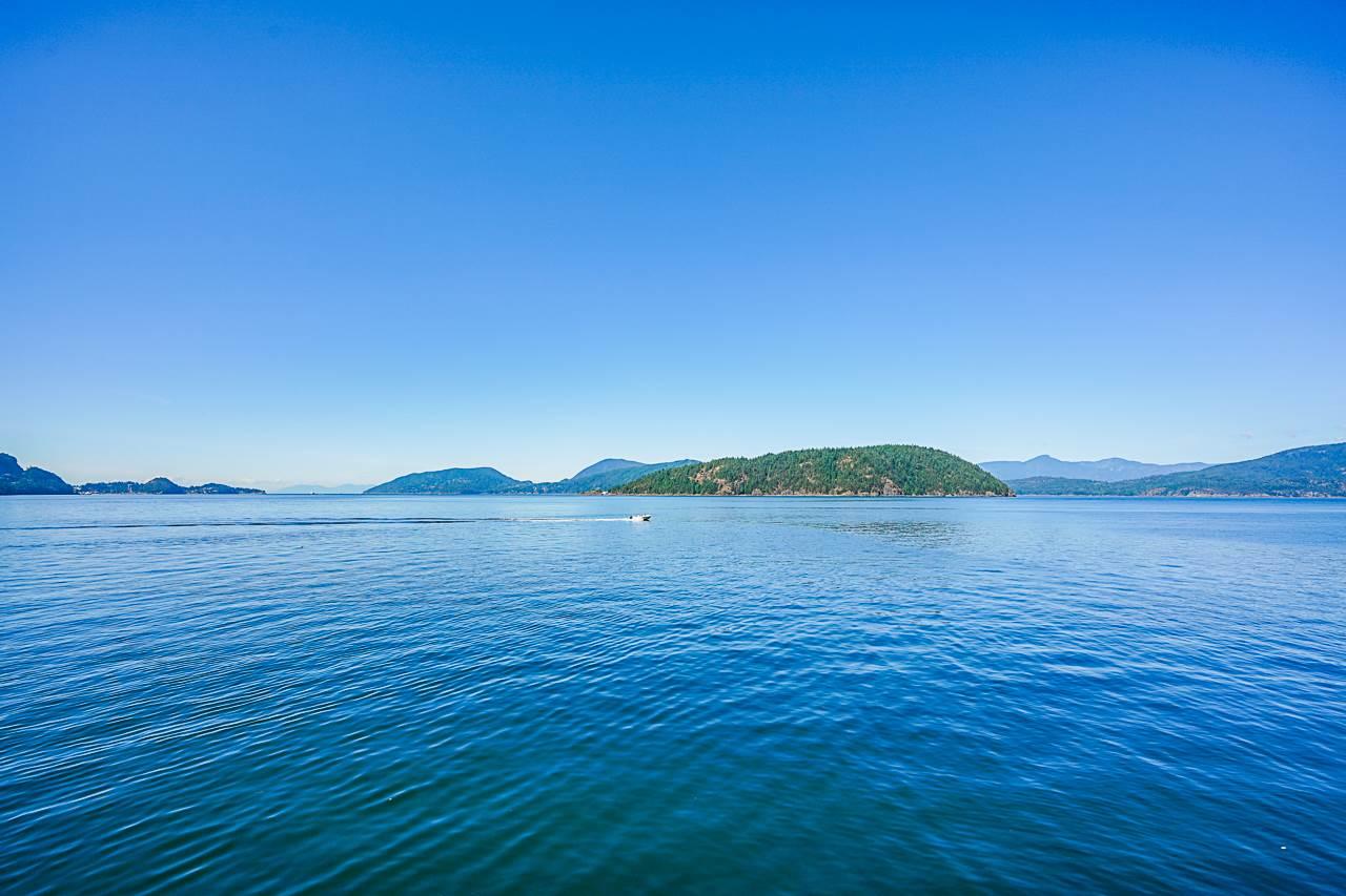 13 OCEAN POINT DRIVE - MLS® # R2428189