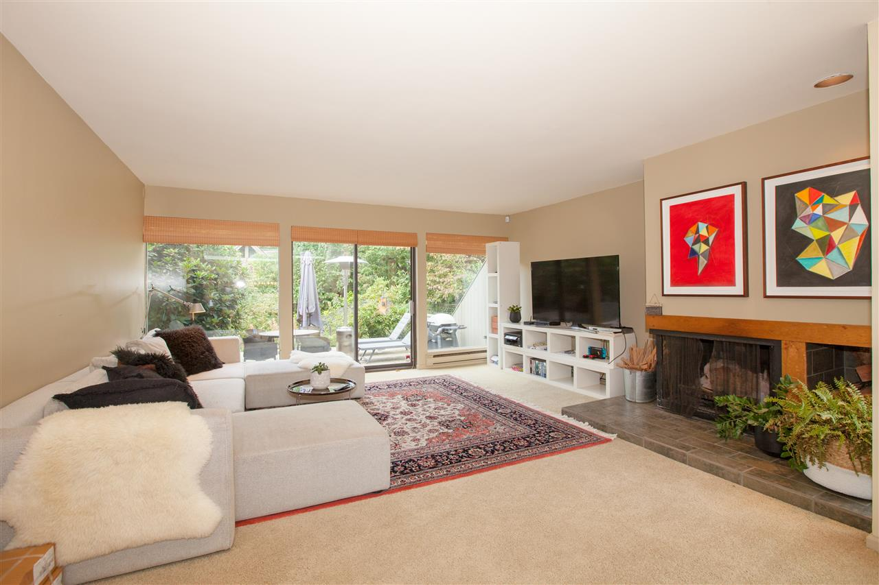 6421 WELLINGTON AVENUE - MLS® # R2428369