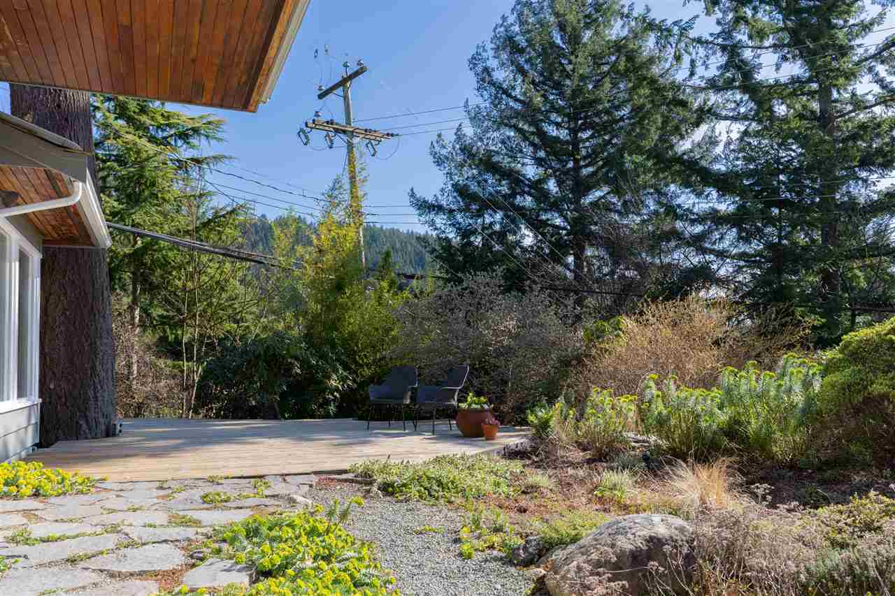 6226 SUMMIT AVENUE - MLS® # R2446011