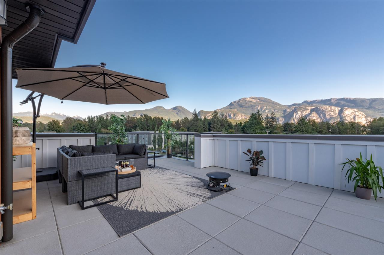 Garibaldi Estates Townhouse for sale:  3 bedroom 1,525 sq.ft. (Listed 2020-04-21)