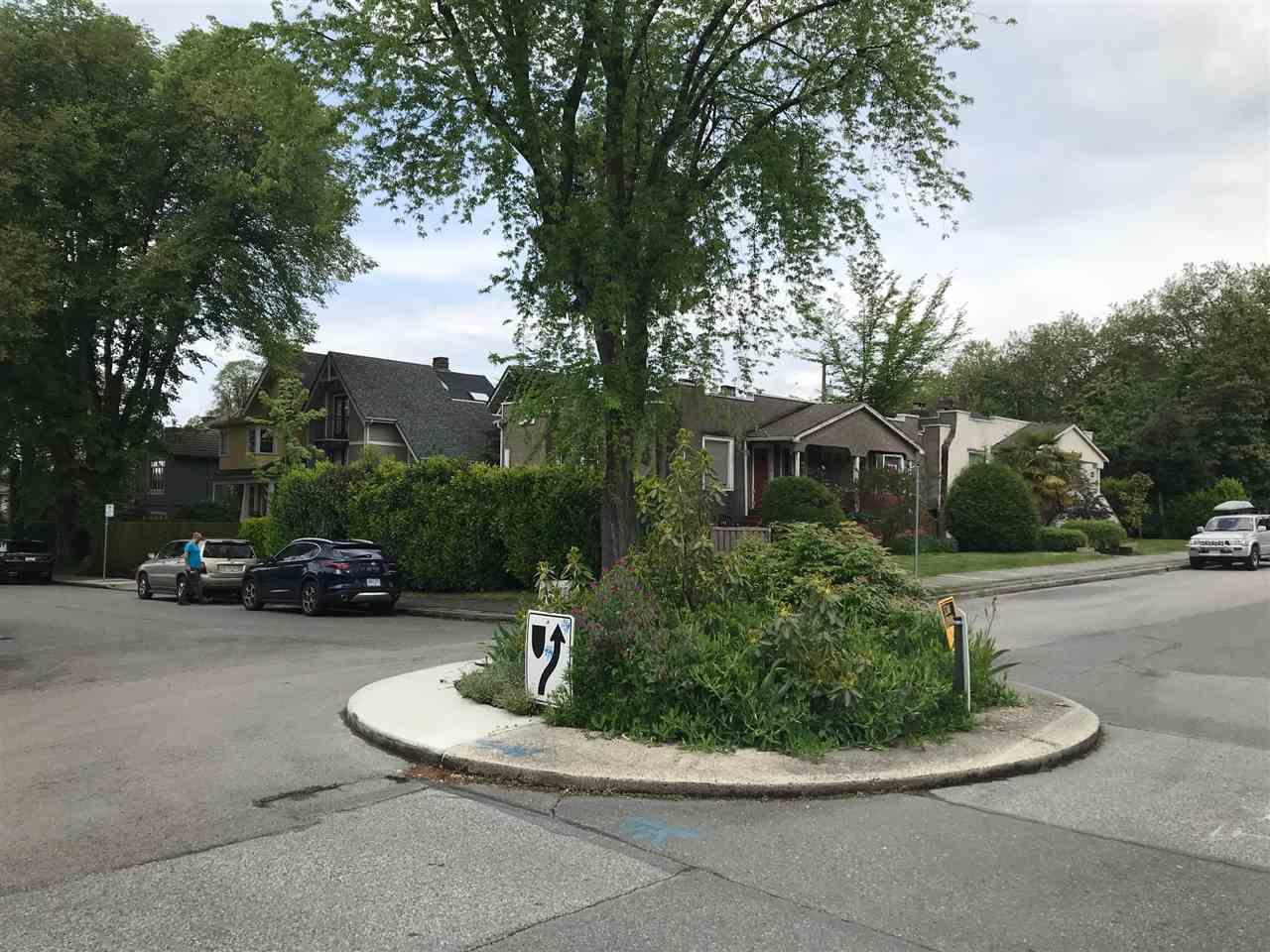 1155 MAPLE STREET - MLS® # R2456628