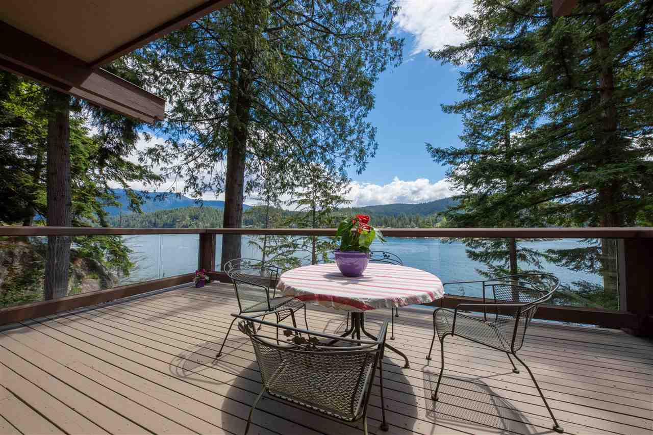 4885 COVE CLIFF PLACE - MLS® # R2463456