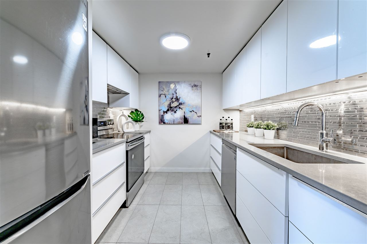 South Slope Townhouse for sale:  2 bedroom 1,186 sq.ft. (Listed 2020-06-10)