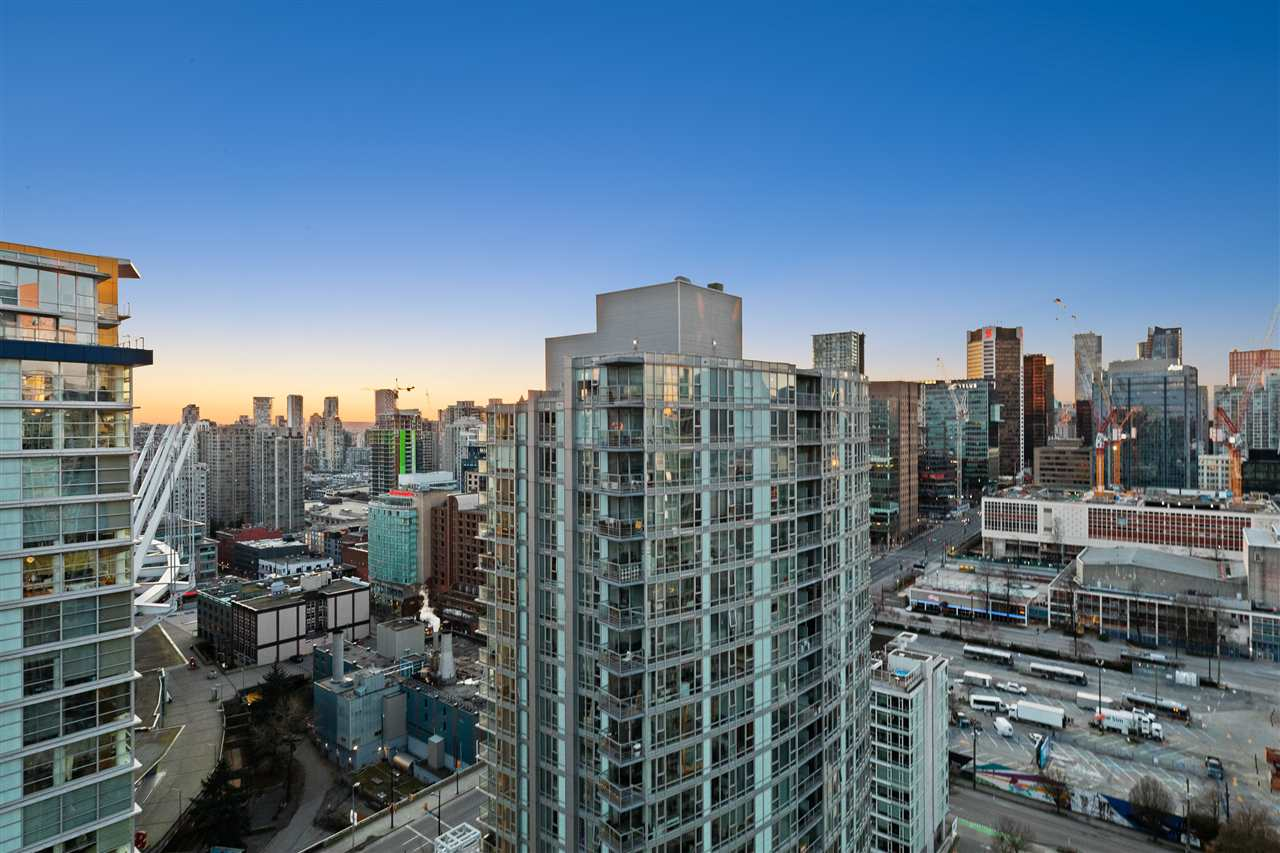 Downtown VW Apartment/Condo for sale:  1 bedroom 556 sq.ft. (Listed 2020-06-28)