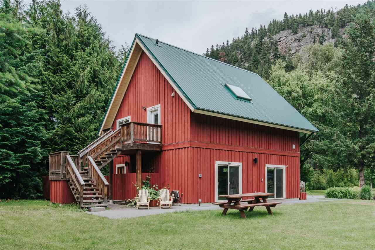 1428 PEMBERTON FARM ROAD - MLS® # R2469862
