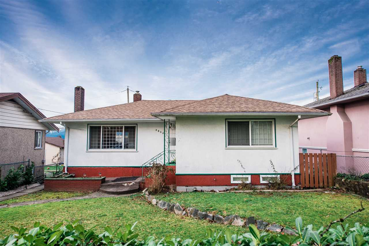 3825 KINCAID STREET - MLS® # R2475118