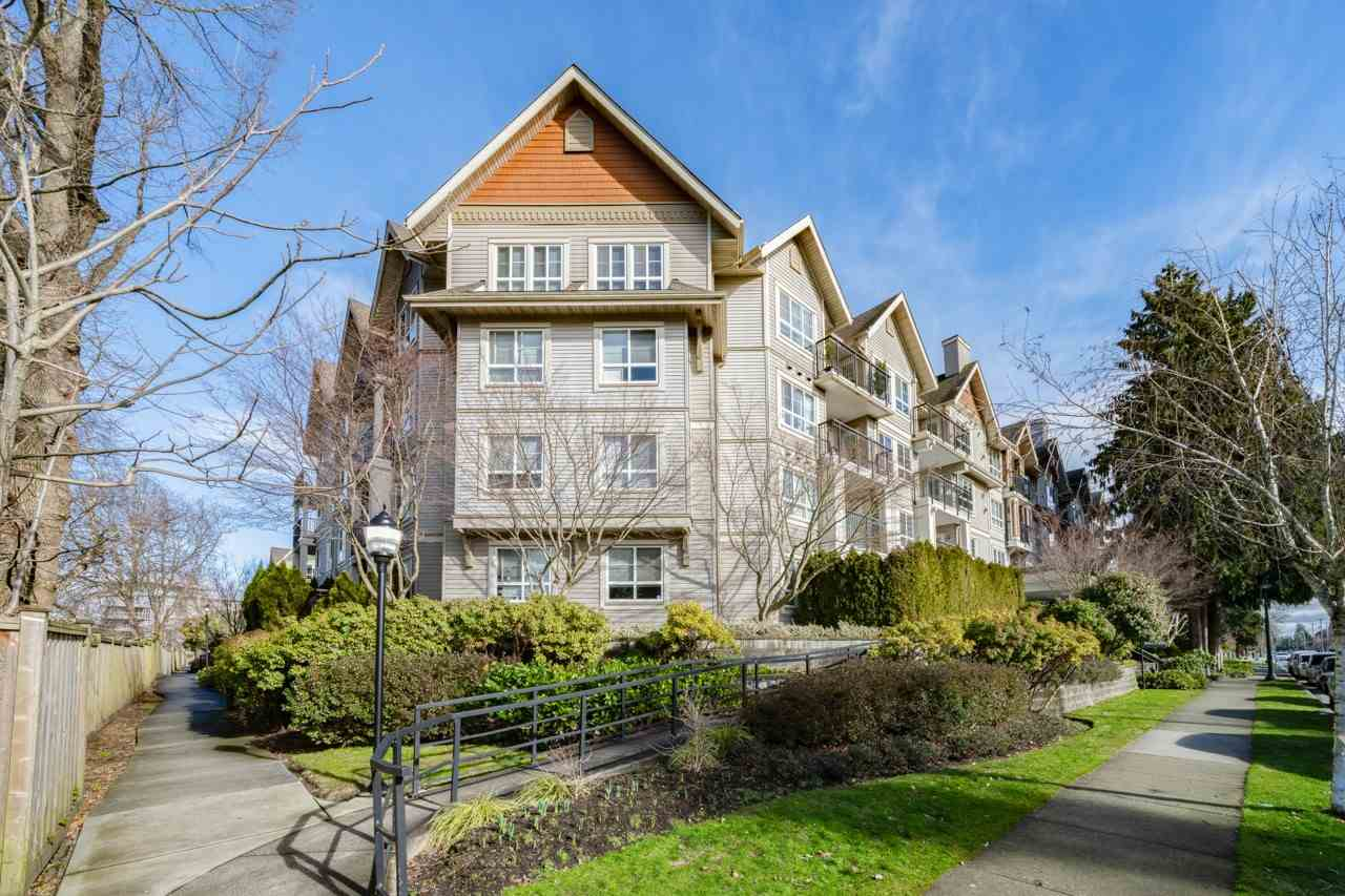 McLennan North Townhouse for sale:  2 bedroom 956 sq.ft. (Listed 2021-02-17)