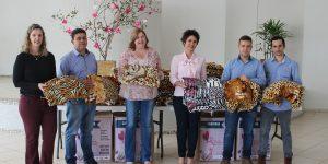 Águas de Holambra doa 150 cobertores para a Campanha do Agasalho