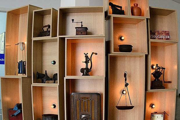 Instalação conta com objetos antigos ligados à cultura do interior - foto Rodrigo Alves-1498496163