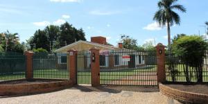 Casa localizada a 20 metros de Boulevard Holandês em Holambra