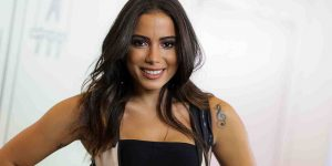 Adler recebe show de Anitta em Agosto