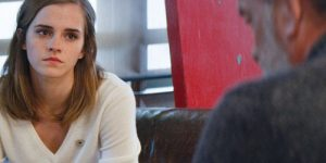 Emma Watson e Tom Hanks estreiam suspense O Círculo
