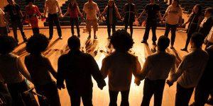 Companhia oferece curso gratuito de teatro em julho