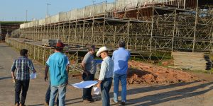Estrutura do Rodeio de Limeira começa a ser montada