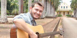 Cantor de Americana lança primeiro CD da carreira