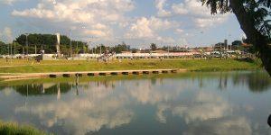 Abraço coletivo na Lagoa do Mingone celebra Outubro Rosa