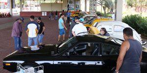 Valinhos recebe exposição de carros antigos