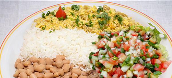 Paróquia realiza almoço comunitário a R$ 1 no domingo