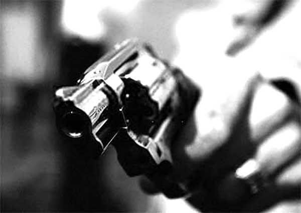 Assaltantes fazem família refém durante assalto no centro de Artur Nogueira