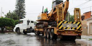 Moradores reclamam de tráfego de caminhões pesados dentro de Artur Nogueira