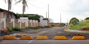 Rua em Artur Nogueira permanece fechada após obras