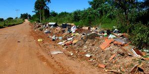 Após solicitação, estrada do antigo lixão de Artur Nogueira tem limpeza efetuada